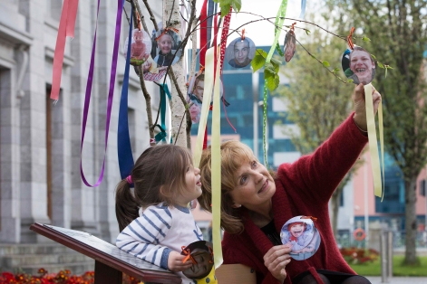 CMK18042017 REPRO FREE NO FEE Adi Roche, Chernobyl Children International and Mila O'Mahony (3 years old) remember the children of Chernobyl as they hang pictures of 31 children representing the 31 years since the nuclear disaster at Chernobyl, ahead of the inaugural United Nations Chernobyl Disaster Remembrance Day on 26 April 2017. Picture Clare Keogh Renate Murphy CAMEO Communications Web: www.cameo.ie Mob: +353.86.8145462 Tel:+353.21.4943939 Twitter: @CAMEO_ie / @renatemurphy